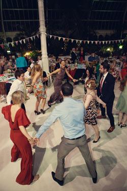 York-wedding-ceilidh-band-Blackbeard's-Tea-Party-3